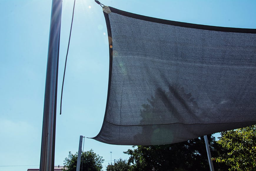 sonnensegel-schatten-im-garten